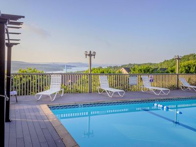 Photo for Pool   Hot Tub   Free WiFi   King Beds   Lake View   Close to Silver Dollar City (131709)