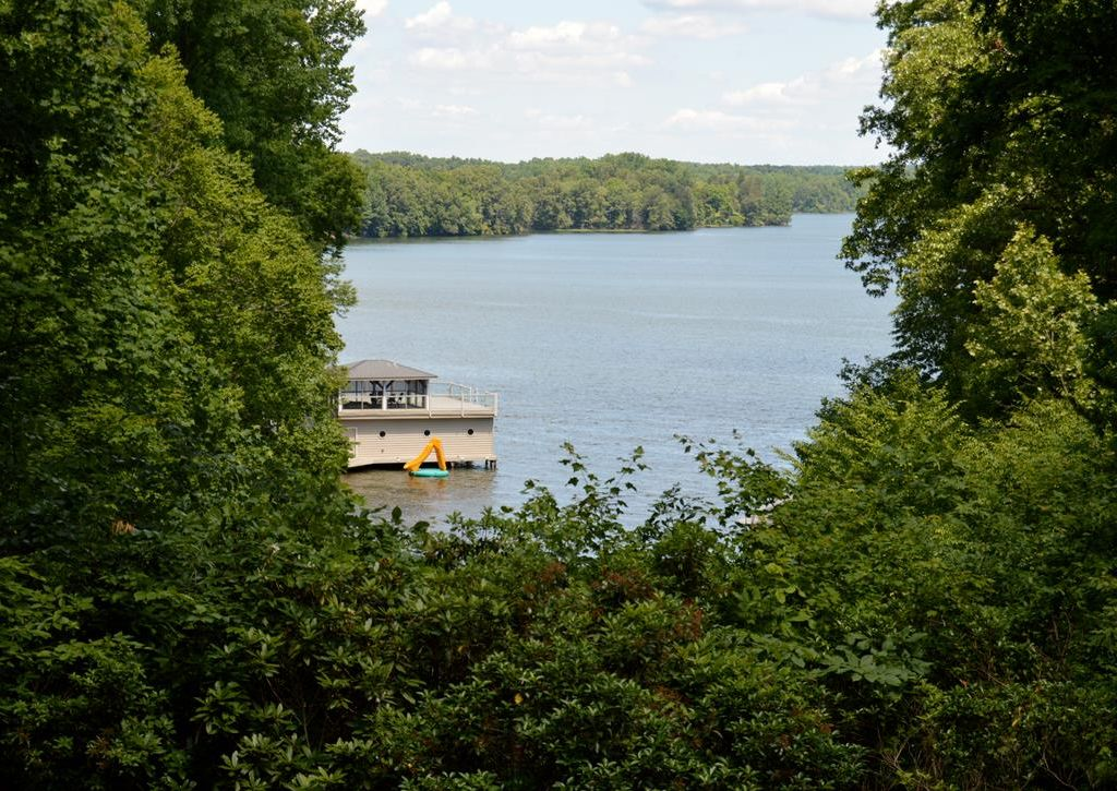 The Overlook  has views of Lake Anna public side