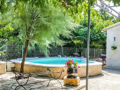 Photo for Nice apartment for 2 guests with WIFI, pool, A/C, TV, pets allowed and parking