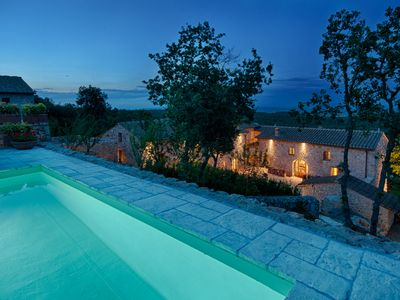 Photo for Beautiful accommodation facility on the Tuscan hills