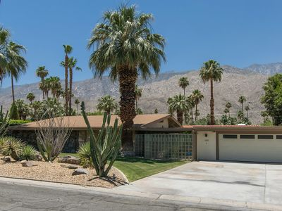 Photo for Stunning Mid Century Gem in Twin Palms
