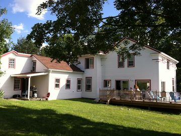 Roxbury Gorgeous Farmhouse, 50 Acres. Views of slopes! Near all weddings!
