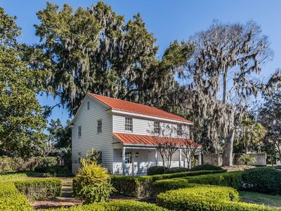 """Photo for Location Location Location! Historic District """"The Bluff """"Overlooking the River"""