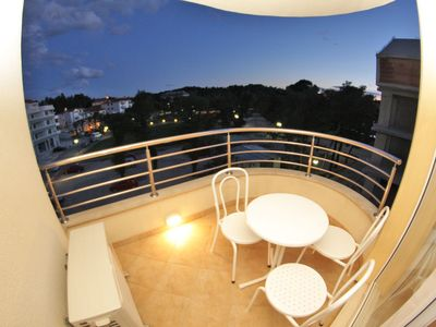 Photo for Apartment Bondi 401,direct by the sea