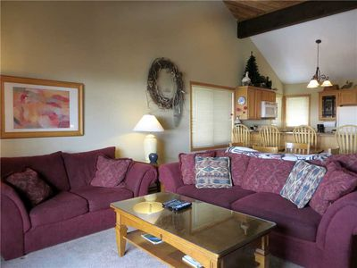 Photo for Quiet Townhome on Mountain, Hot Tub!