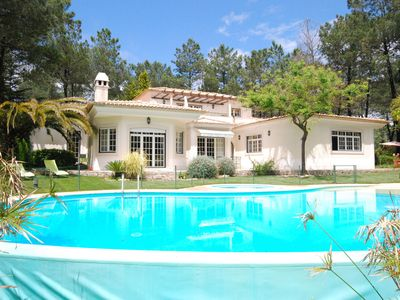Photo for Luxurious villa nearby golfcourse, beaches and Lisbon