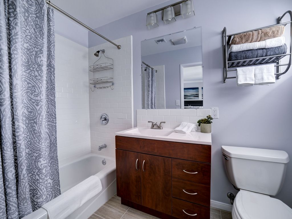 One Of Our 6 Bathrooms   3 En Suite In Bedrooms, 3 Open To The
