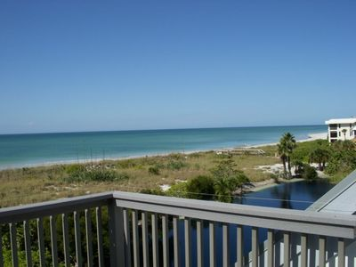 Photo for Beachfront house with spectacular ocean views and resort amenities.