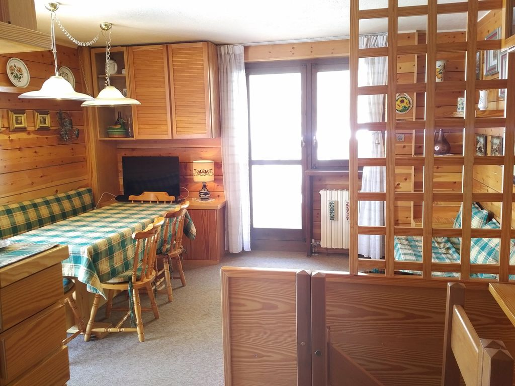 Sunny Ious Apartment Ski In Out Cervinia With Free Wifi Breuil