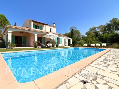 Photo for Villa with pool, 5 mins walk to stunning Provence village