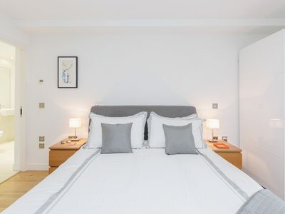 Photo for Quiet, Safe and Modern 2BR 2BR Flat near London Eye and Tate Modern