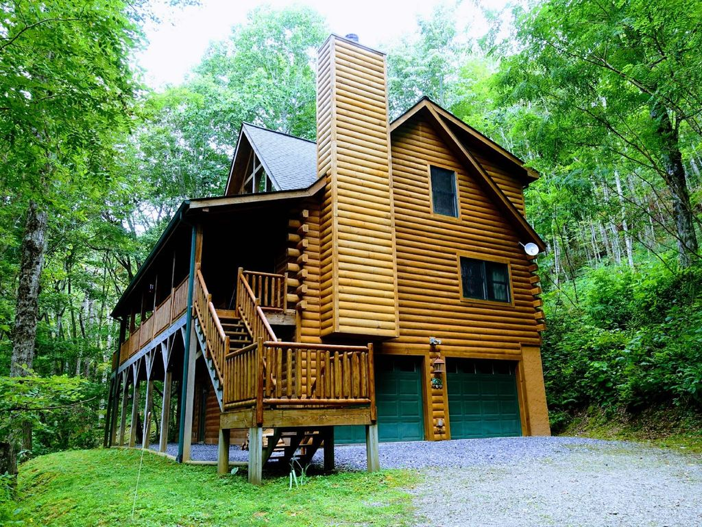 Wood Mountain Elevation : Bedroom bath wood burning fireplace wifi ft