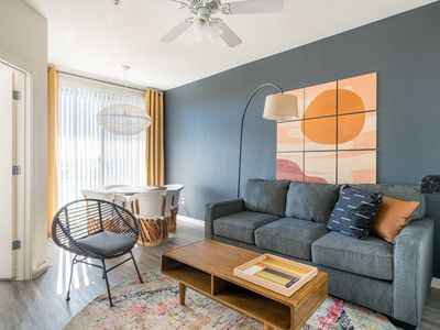 Photo for WanderJaunt | Cassia | 1BR | Tempe