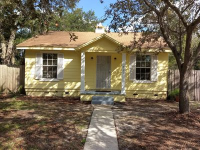 Photo for Gulfport Bungalow PET FRIENDLY-Beach, Fresh Market, Arts & Crafts within a mile!
