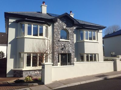 4 bed luxury detached Home in central Killarney just minutes walk to town centre