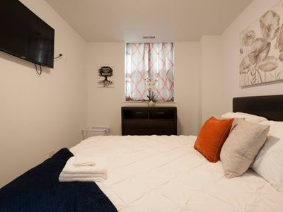 Photo for ⭐Insurance Friendly⭐Comfy Bed✔☕4K Smart TV✔ WiFi✔Mins Frm Downtown