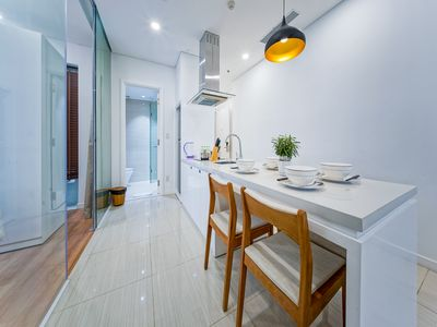Photo for Son & Henry - SIT3 - Spacious 2BR Apartment, CBD, Rooftop Pool and Sky Bar