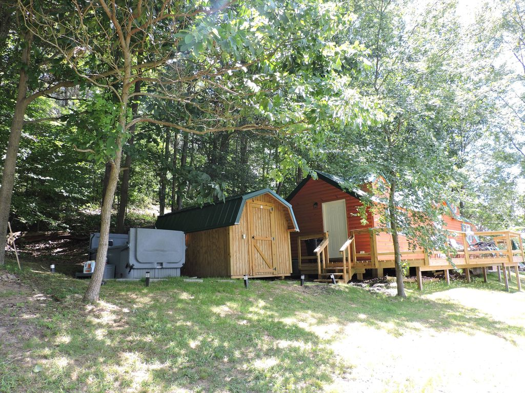 spirational availability in hocking romantic hockg and hills for cheap lodgg hot friendly with pet cheapest ohio two pool cabins tub