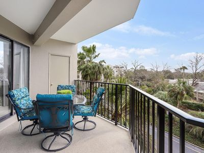 Photo for Gorgeous Forest Beach Villa - surf & sand, just 800 steps away!