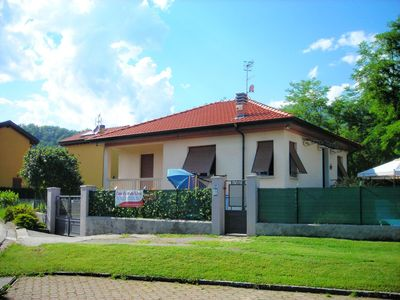 Photo for Holiday House Elena, Large, welcoming, independent, with garden and parking