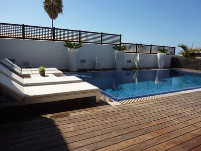 Photo for Luxury villa with private pool, minutes from the beach, with Internet
