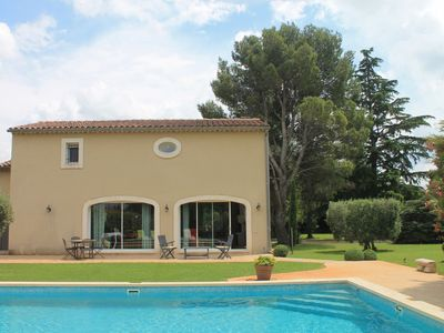 Photo for Les Piboules - Cosy holiday home with very beautiful garden near Saint Remy de Provence.