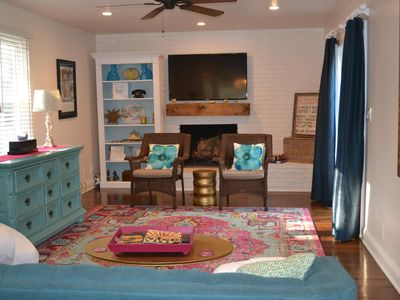 Photo for Cute & Cozy, 3 Bedrooms & 2 bath, sleeps 6, 15 minutes to downtown Nashville!