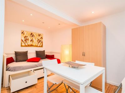 Photo for Studio apartment in the center of Lisbon with Internet, Washing machine (387214)