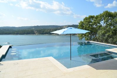 Gorgeous Negative Edge Pool & Hot Tub/Spa with Fabulous Views