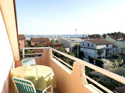 Photo for Apartment in Umag, near the beach, balcony with sea view, WiFi, parking