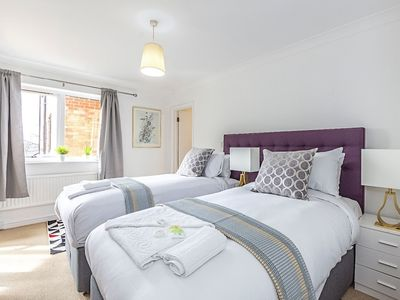 Photo for Luxurious Penthouse in Bromley