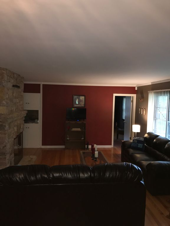 Property Image19 North Kansas City Spacious AffordableTen Miles From Downtown