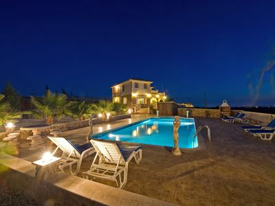 Photo for Panorama Luxury Villa, Free Wifi, Private Pool, Amazing Views, Table Tennis, Gym