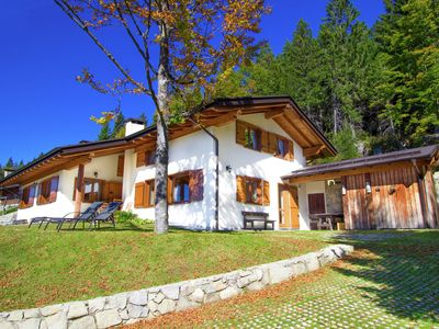 Photo for Quiet chalet at 1600 m nestled in the woods 30 minutes from the lake