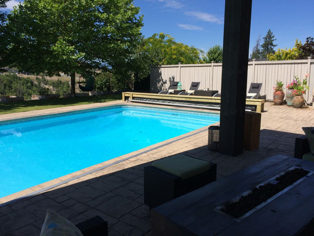 Sleeps 12+, POOL, Hot tub, Trampoline, 5 Bedroom, 4500sq.ft, Private ...