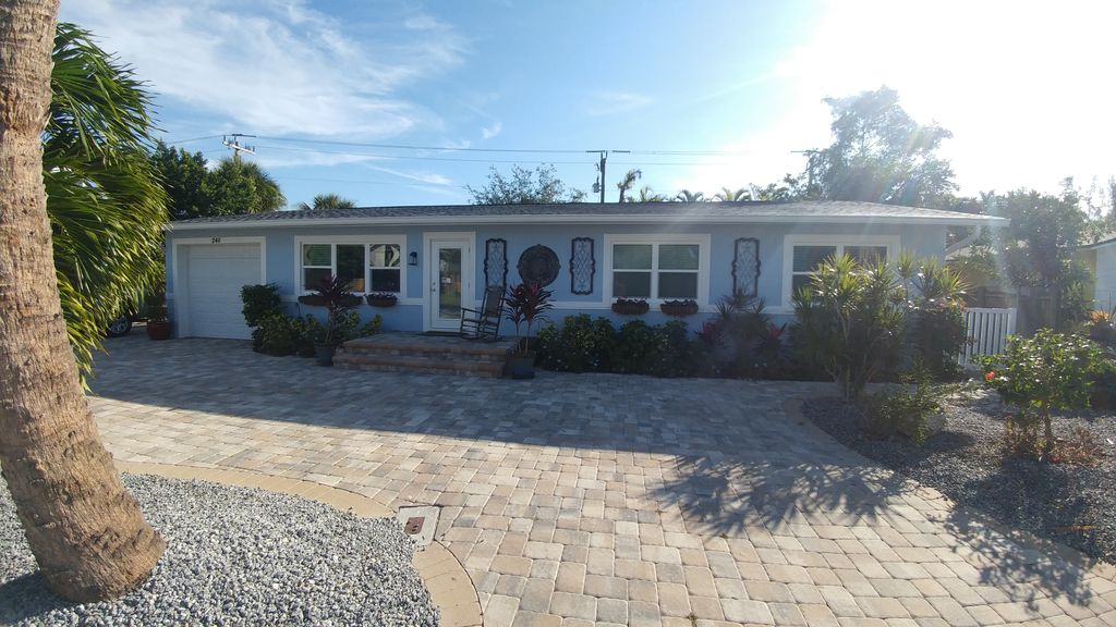 4 Bedroom Pool Home Near Times Square Ft Myers Beach