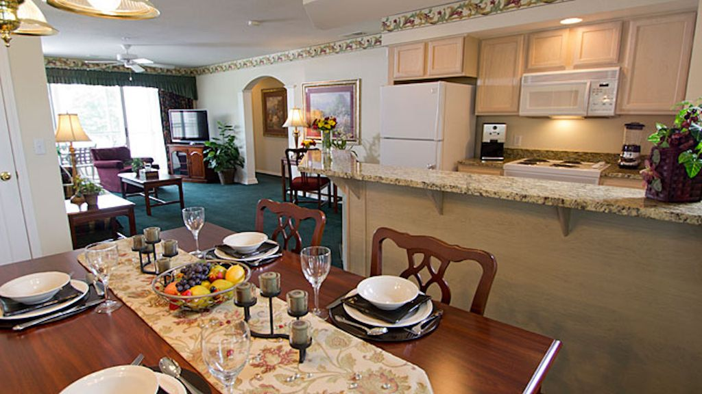 Two bedroom at the suites at fall creek br vrbo for 2 bedroom suites in branson mo