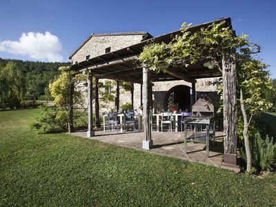 Photo for Family-Friendly country villa with swimming pool near Montepulciano. A/C & Wi-Fi