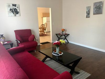 Newly Renovated 2 Bedroom Apartment Near MGM Springfield and Six Flags