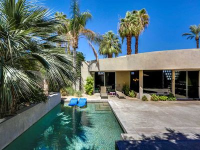 Photo for Newly Updated Pool Home in Great Bel Air Location