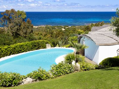 Photo for Luxury villa with breathtaking sea view and pool at 40 meters to the beach