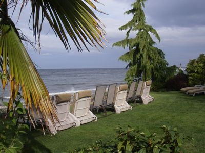Photo for Central location 2 bdr Beachfront Oceanfront Hot Tub Clam/Oyster kayak rentals
