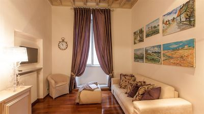 Photo for Frattina Exclusive 1950 apartment in Piazza di Spagna South with air conditioning.