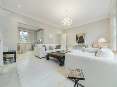 Photo for Spacious 2 Bed 2 Bath House in Notting Hill