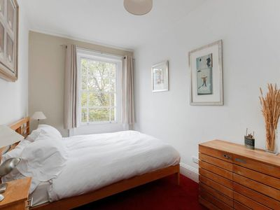 Photo for Charming 1-bed flat in Chelsea