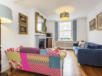 Photo for A contemporary cottage with beautiful traditional pieces in Camden (Veeve)