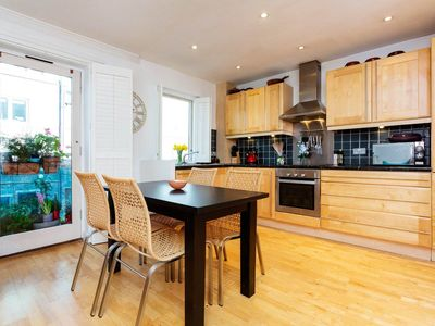 Photo for Charming 2 bed apartment close to the iconic Tower Hill (Veeve)