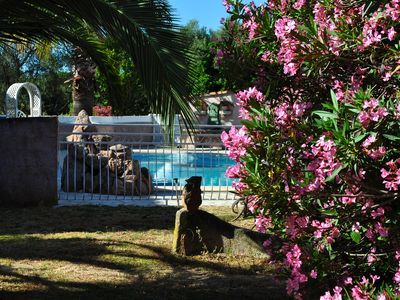 Photo for Mini villa 39m2 Type T2 with pool and park 3000m2 2km from the sea