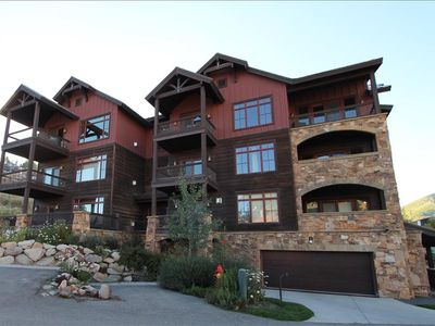 Photo for 2 BR Black Diamond Lodge condo, bedrooms on separate floors, hot tub. LOCATION