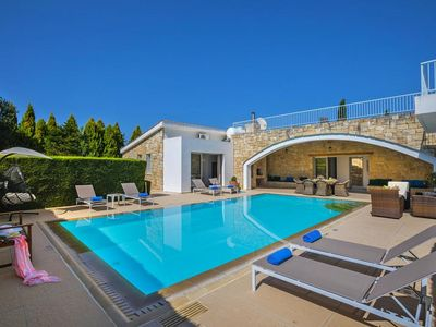 Photo for holiday home, Miliou  in Um Paphos - 6 persons, 3 bedrooms